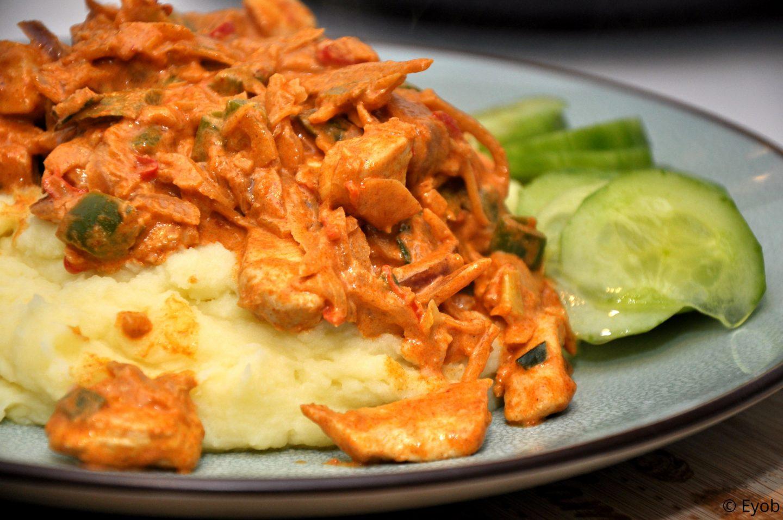 Pittige curry met Thaise groente en aardappelpuree
