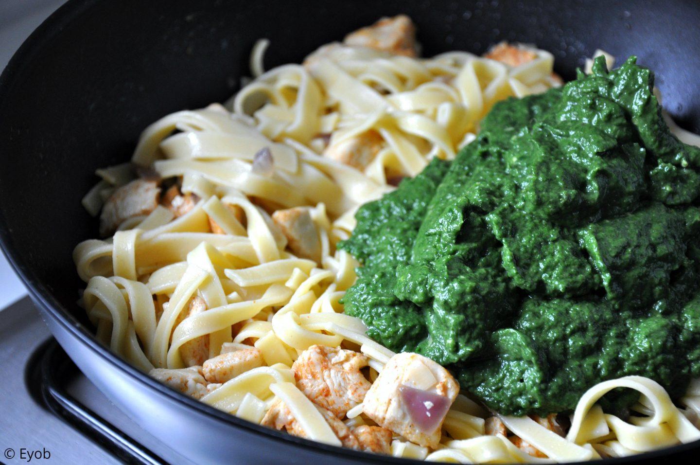 Tagliatelle met verse spinazie en avocado